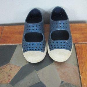 Native Shoes Size C-10